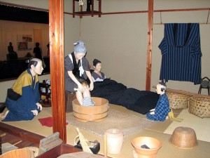 640px-Child_birth_in_Japan_(display)